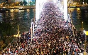 MAĐARSKA PONOVO NA NOGAMA! Prosvjedi zbog ovrha, stanarina, niskih plaća…